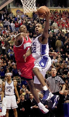 DUKE GUARD JASON WILLIAMS IN ACTION AGAINST MARYLAND IN NCAA SEMIFINAL.