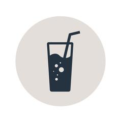 Icono plano vaso de refresco en circulo gris