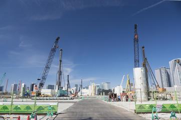 大規模 建物建設工事 地中の杭うち 杭打機