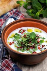 Yoghurt soup with mint