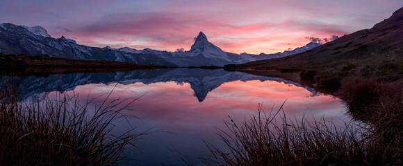 Sonnenuntergang über dem Matterhorn, Zermatt, Schweiz