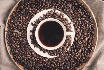 Kaffee & geröstete Kaffeebohnen