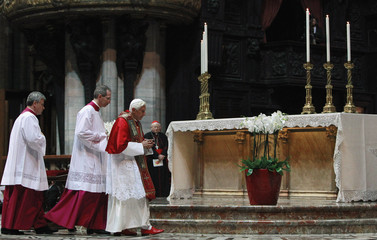 Pope Benedict XVI arrives for a meditation with priests and religious at the Duomo Cathedral downtown Milan