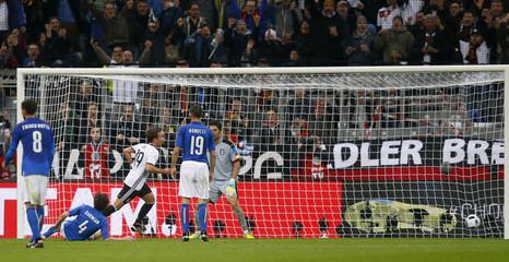 Football Soccer - Germany v Italy - International Friendly