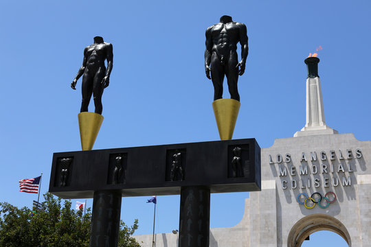 International Olympic Committee Evaluation Commission toursvenues in Los Angeles