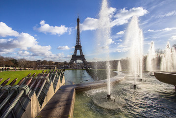 Eiffel Tower and fountain at Jardins du Trocadero, Paris