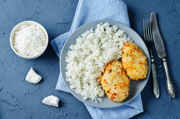 Coconut chicken crust with rice