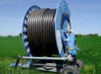 Enrouleur de tuyaux destiné à l'irrigation des céréales en particulier du maïs