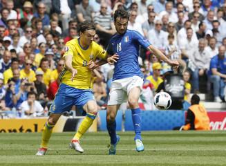 Italy v Sweden - EURO 2016 - Group E