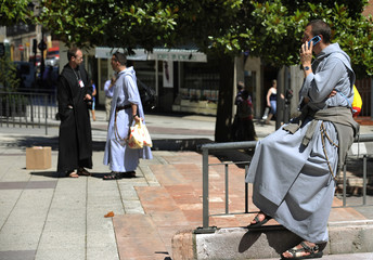 A religious talk on your cell phone in Oviedo downtown