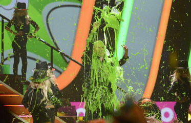 Pitbull gets slimed at 2013 Kid's Choice Awards in Los Angeles