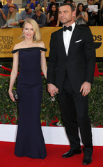 """Actress Naomi Watts of the film """"Birdman,"""" and her husband, actor Liev Schreiber of the Showtime series """"Ray Donovan,"""" pose on arrival at the 21st annual Screen Actors Guild Awards in Los Angeles"""