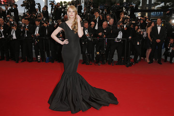 """Actress Svetlana Khodchenkova poses on the red carpet as she arrives for the screening of the film """"The Sea of Trees"""" in competition at the 68th Cannes Film Festival in Cannes"""
