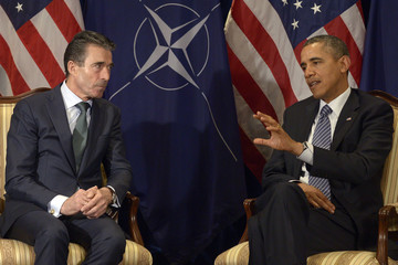 """U.S. President Obama delivers statement next to NATO Secretary-General Fogh Rasmussen at """"The Hotel"""" in Brussels"""