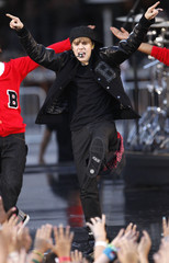 Bieber performs with dancers at the 2010 MTV Video Music Awards in Los Angeles, California