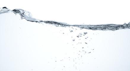 Agua en movimiento y burbujas