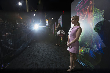 """Cast member Witherspoon poses at the premiere of """"Inherent Vice"""" at TCL Chinese theatre in Hollywood"""