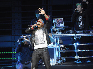 Flo Rida performs at the 102.7 KIIS FM's Jingle Ball 2011 in Los Angeles
