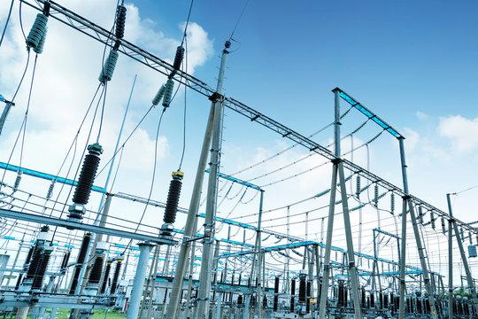 High voltage power substation