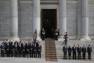 Spanish politicians and personalities attend the wake of Spain's former Prime Minister Adolfo Suarez at the Spanish parliament in Madrid