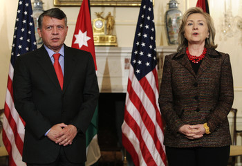 Secretary of State Clinton and Jordanian King Abdullah face reporters before their meeting in Washington
