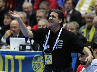 Spain's coach Lopez reacts during their bronze medal match against Sweden at the Men's Handball World Championship in Malmo