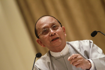 Myanmar's President Thein Sein talks during a news conference at the presidential palace in Naypyitaw