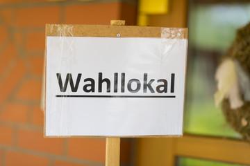 Hinweisschild Wahllokal