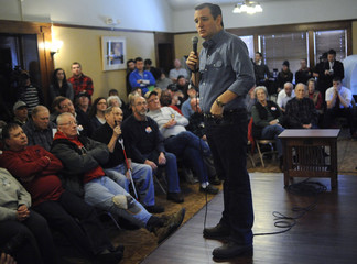 U.S. Republican presidential candidate Cruz speaks at Onawa Library in Onawa, Iowa