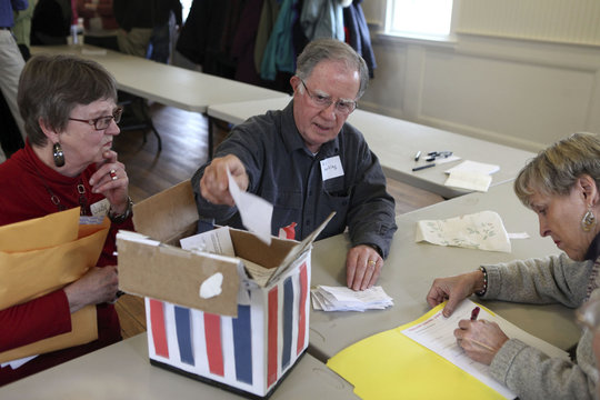 Bartley counts ballots during the Harpswell Republican town caucus