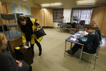 A woman casts her vote in the Icesave referendum in Reykjavik