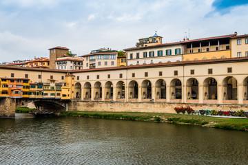Le pont Vecchio sur l'Arno à Florence