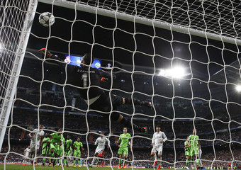 Football Soccer - Real Madrid v Sporting Portugal - UEFA Champions League group stage