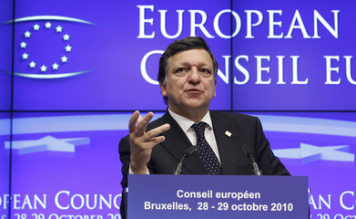 European Commission President Barroso holds a joint news conference during a European Union leaders summit in Brussels