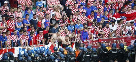 Czech Republic v Croatia - EURO 2016 - Group D