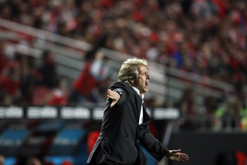 Benfica's coach Jorge Jesus gives instructions to his players during their Portuguese Premier League soccer match against Maritimo at Luz stadium in Lisbon