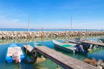 Barche da Pesca - Lagina di Rosolina - Delta del Po - Italia - pontili e barche da pesca