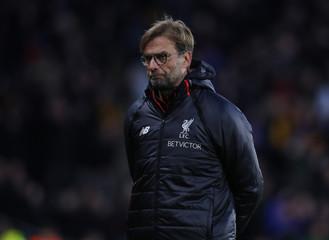 Liverpool manager Juergen Klopp looks dejected