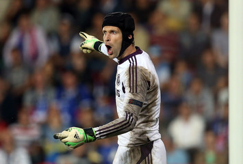 Chelsea's goalkeeper Petr Cech gestures during their UEFA Super Cup soccer match against Bayern Munich at Eden stadium in Prague