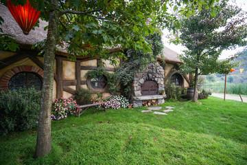 Hobbiton Haus mit Kamin