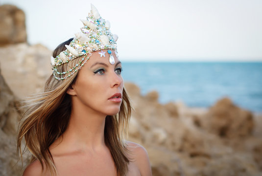 Miss beauty of the Red Sea in the Crown, Queen Beauty, handmade crown decorated with sea shells and pearls