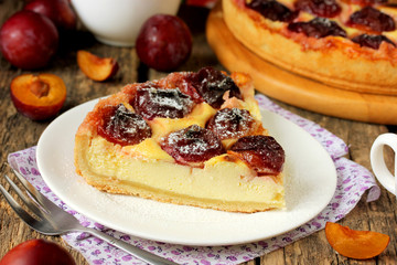Cheesecake with fruit filling