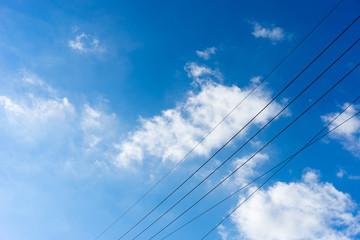 青空と電線