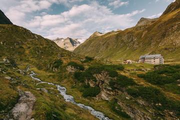 Franz-Senn-Hütte am Stubaier Höhenweg im Stubaital, Österreich