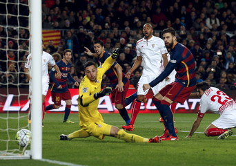 Football Soccer - Barcelona v Sevilla - Spanish Liga BBVA - Camp Nou stadium, Barcelona