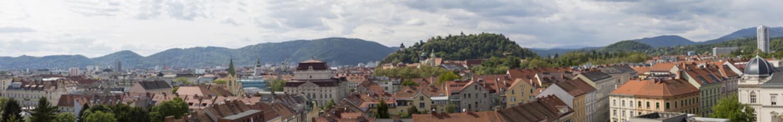 Panorama Graz mit Schlossberg und Uhrturm