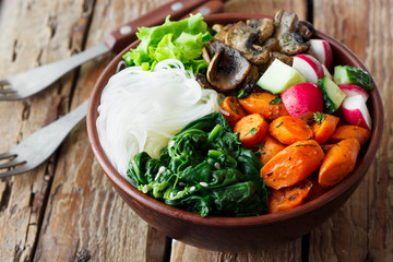 Lunch bowl with noodles and vegetables