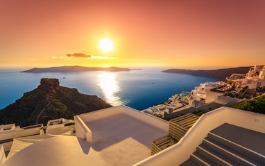 Photo sur Plexiglas Santorini Amazing sunset at Imerovigli, Santorini, Crete, Greece.
