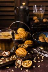 Round nut biscuits