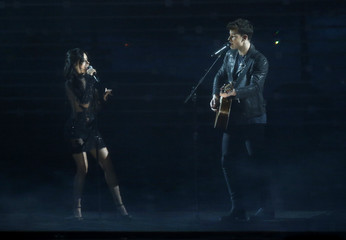 "Singer Mendes performs ""I Know What You Did Last Summer"" with Cabello at the People's Choice Awards 2016 in Los Angeles"
